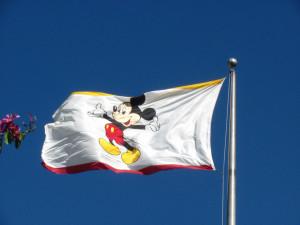 Företagsflagga på disneyland